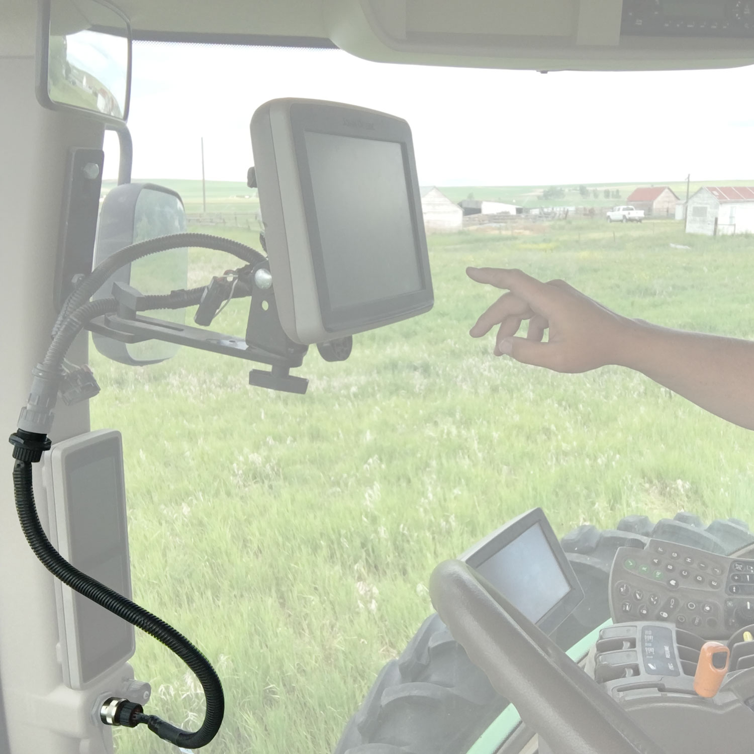 high-mount-a-john-deere-screen-with-wire-harness-extension.jpg
